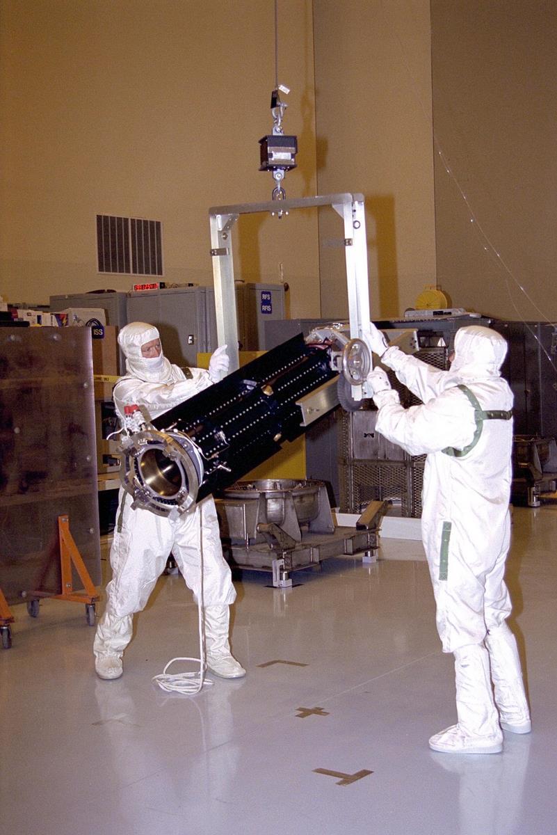 spacecraft power sources - photo #7