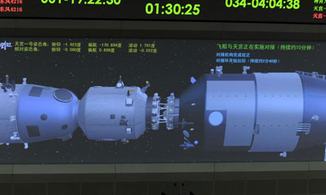 Live Chinese astronauts enter Tiangong2 space lab from Shenzhou11 spacecraft
