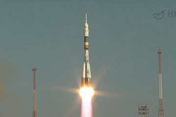 The Soyuz TMA-06 was successfully launched atop the Soyuz rocket from the launch pad 31.