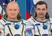 Veteran spacefarers  Scott Kelly (NASA, left) and Mikhail Kornienko (Roscosmos, right) will make the first ever yearlong sojourn on ISS in 2015 (Credits: NASA).