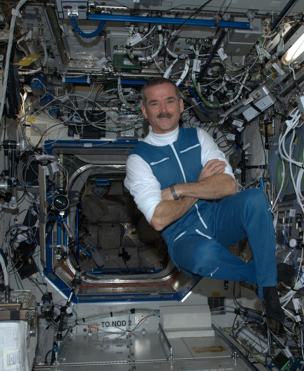 Canadian Astronaut Chris Hadfield - Pics about space