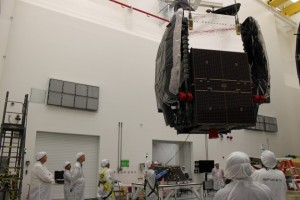 Preparation of the SES-8 satellite (Credits: SpaceX).