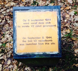 Memorial plaque for the first V-2 rocket launched from Wassenaar (Credits: Carmen Felix).