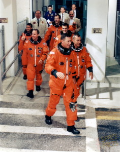 The STS-68 crew departs the Operations and Checkout Building, bound for the launch pad (Credits: Spacefacts/Joachim Becker).