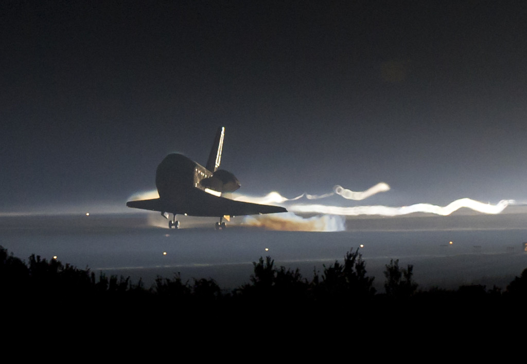 Atlantis lands at the Kennedy Space Center, bringing the Space Shuttle program to an end. – Credits: NASA.